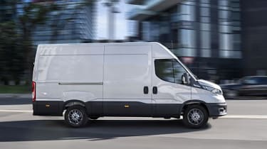 Iveco Daily 2021 - side
