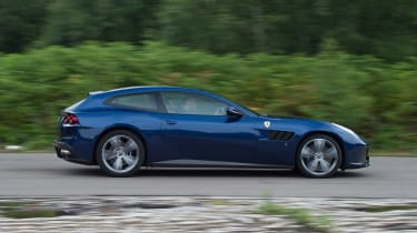 Ferrari GTC4 Lusso - side