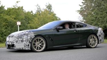 BMW 8 Series facelift - spyshot 3