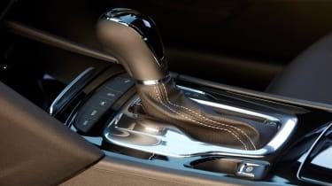 Vauxhall Insignia GSi - gear lever