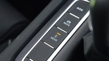 Volkswagen Passat GTE drive mode button