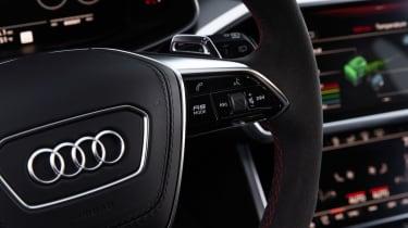Audi RS 6 Avant - steering wheel