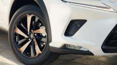 Lexus NX 300h Sport - wheel