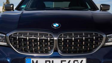 BMW M340i xDrive - grille detail