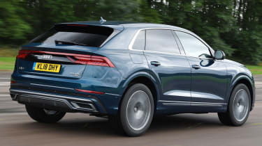 Audi Q8 - Rear Tracking