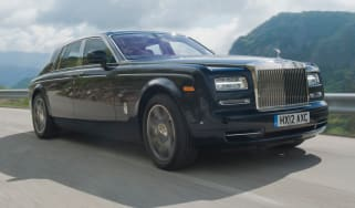 Rolls-Royce Phantom II front tracking