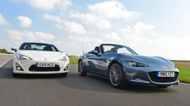 Mazda MX-5 vs Toyota GT86