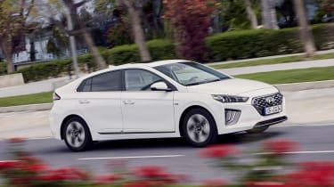 Hyundai Ioniq Hybrid - front action