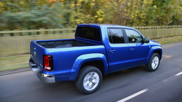 Volkswagen Amarok pick-up 2016 -  rear tracking