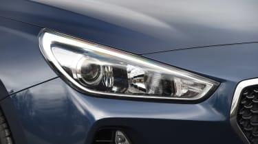 Hyundai i30 - front light detail