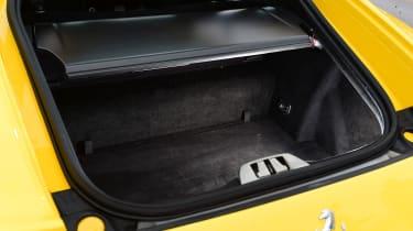 Ferrari 812 Superfast - boot