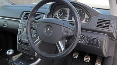 Used Mercedes B-Class - dash