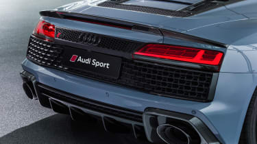 Audi R8 Spyder - studio rear detail