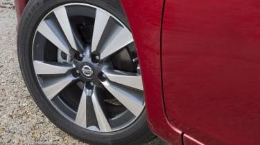 Nissan Pulsar 1.5 dCi Tekna wheel