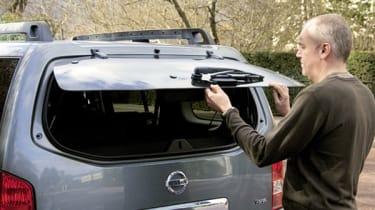 Nissan Pathfinder rear glass