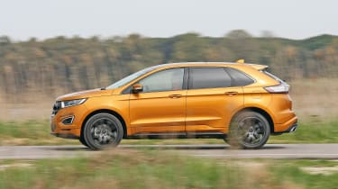 Ford Edge - side
