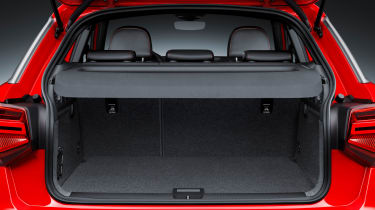 Audi Q2 Red boot aseats up