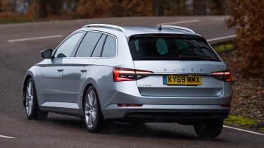 Skoda Superb iV Estate - rear cornering