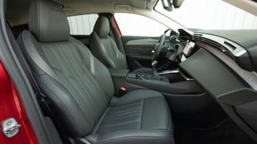 Peugeot 308 SW - front seats