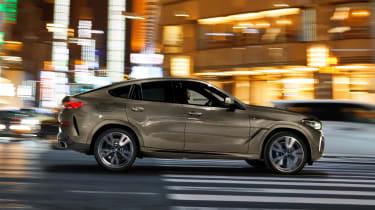 BMW X6 - side