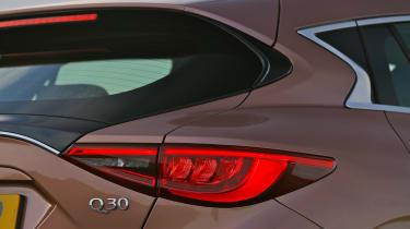 Infiniti Q30 1.6 DCT - rear detail