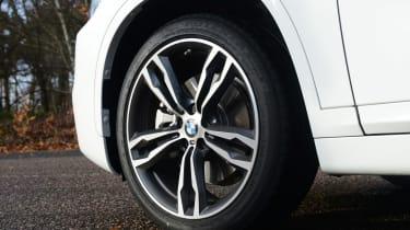 BMW X1 - wheel