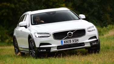 Volvo V90 Cross Country - front off-road