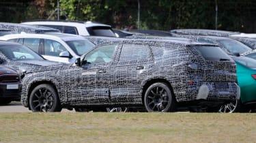 BMW X8 - spyshot 7