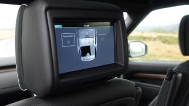 Land Rover Discovery - rear entertainment