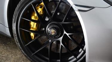 Porsche 911 GTS - wheel detail