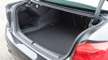 Alpina D5 S boot space