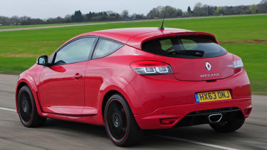 Renault-Megane-RS-2014-rear-quarter