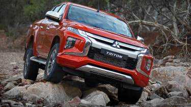 Mitsubishi L200 - front red