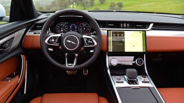 Jaguar XF facelift - dash