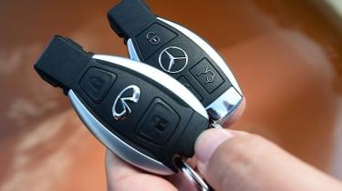 Infiniti QX30 vs Mercedes GLA vs BMW X1 - keys