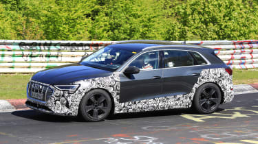 Audi e-tron S - spyshot 3