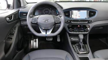 Hyundai Ioniq Plug-in hybrid - dash
