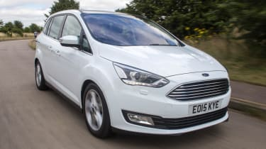 Ford Grand C-MAX 2016 - front tracking