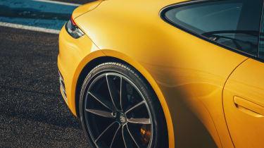 Porsche 911 - rear profile