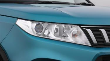 Suzuki Vitara - front light