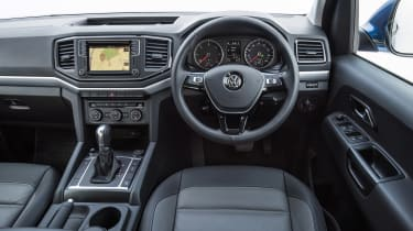 Volkswagen Amarok pick-up 2016 - interior