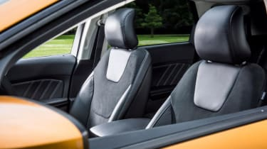 Ford Edge - front seats