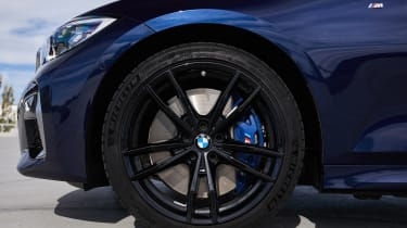 BMW M340i xDrive - wheel