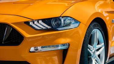 Ford Mustang V8 - front light