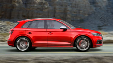 Audi SQ5 2017 - side tracking