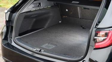Suzuki Swace - boot side