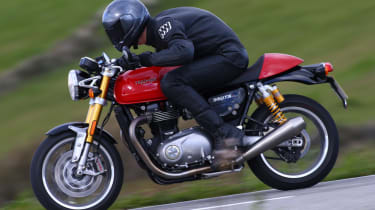 Triumph Thruxton R review - lead