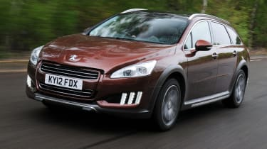 Peugeot 508 RXH HYbrid4 front tracking