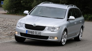 Skoda Superb front cornering