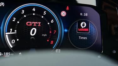 Volkswagen Golf GTI manual - dials